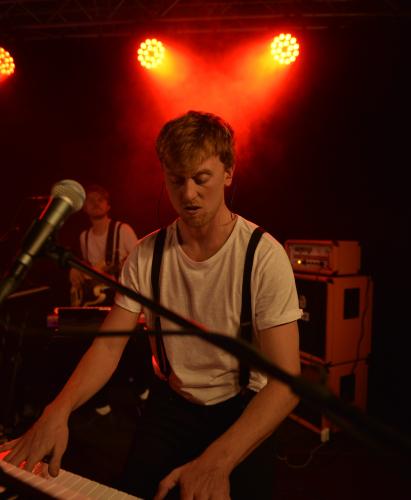 Suspenders - bookes på bandportalen.dk