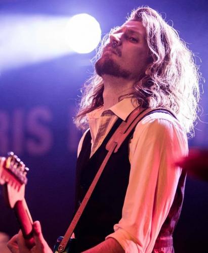 Allmusic - bookes på bandportalen.dk