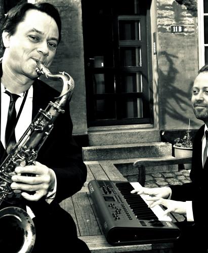 Manne-pose-ext_gÜrdmusikanterne_01-COL