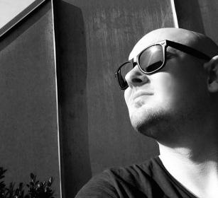 DJ Thomas Kjærholt